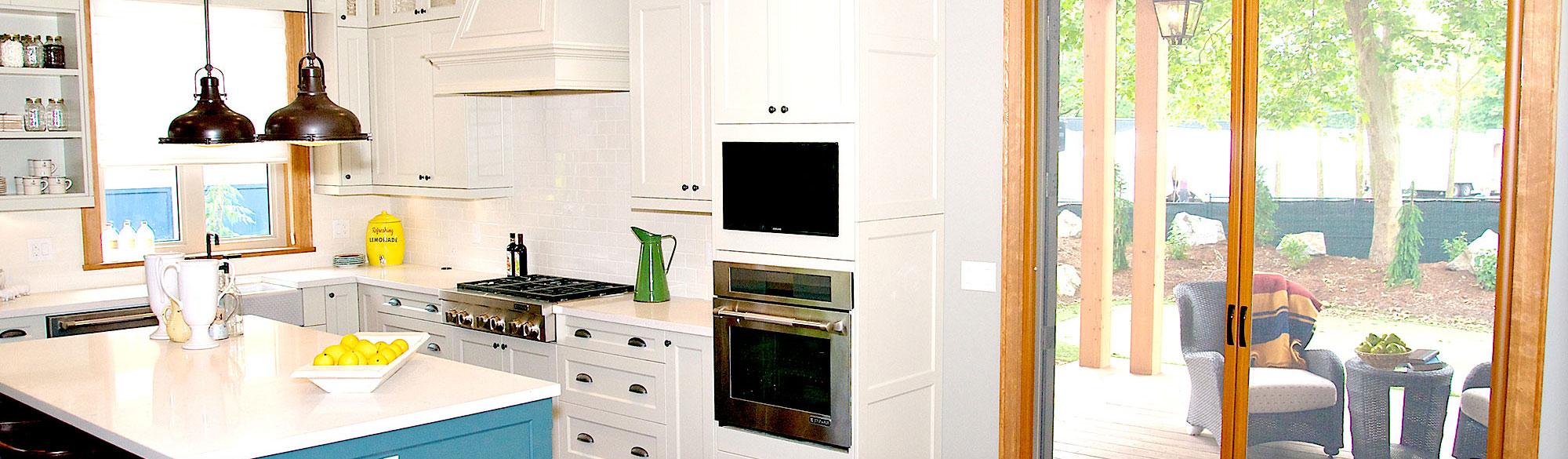 Beautiful Kitchen with Screen Door